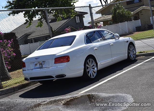 Bentley Flying Spur spotted in Honolulu, Hawaii