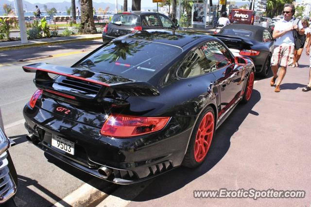 porsche 911 gt2 spotted in cannes france on 07 25 2010 photo 2. Black Bedroom Furniture Sets. Home Design Ideas