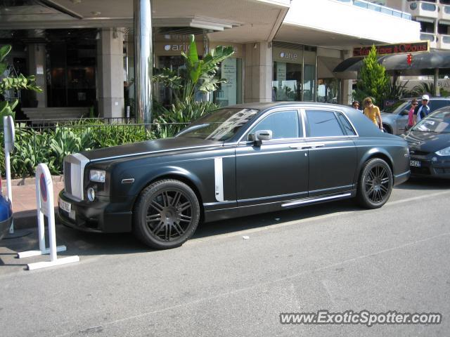 rolls royce phantom spotted in cannes france on 07 26 2010. Black Bedroom Furniture Sets. Home Design Ideas