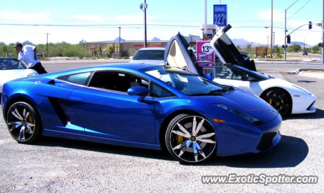 Lamborghini Gallardo spotted in Tucson, Arizona on 10/09/2011