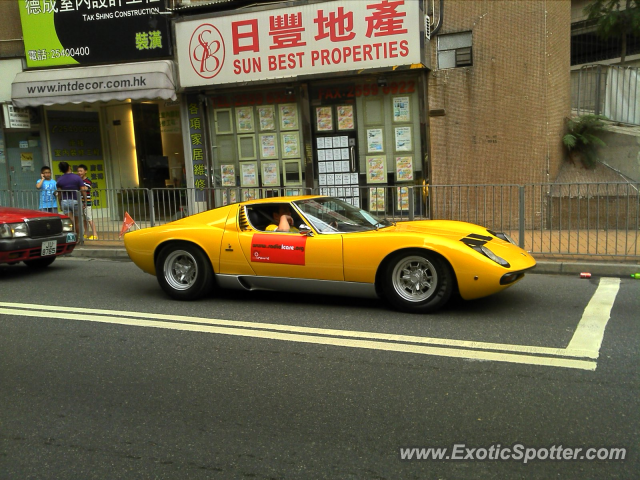 lamborghini miura spotted in hong kong china on 04 30 2010 photo 2. Black Bedroom Furniture Sets. Home Design Ideas