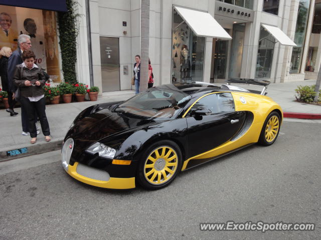 bugatti veyron spotted in los angeles united states on 10 31 2011. Black Bedroom Furniture Sets. Home Design Ideas