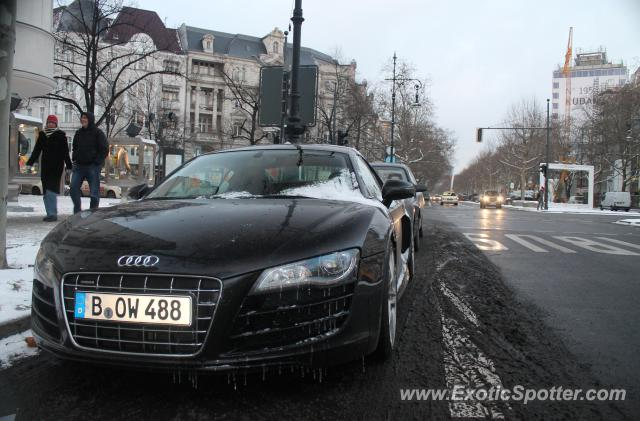 audi r8 spotted in berlin germany on 02 03 2012. Black Bedroom Furniture Sets. Home Design Ideas