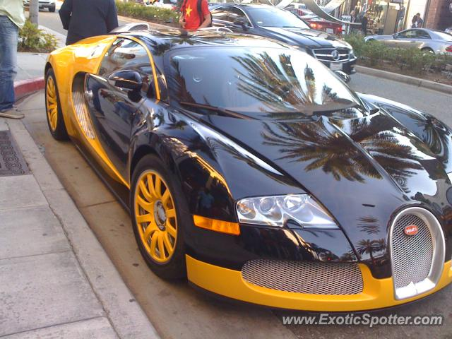 bugatti veyron spotted in los angeles california on 10 05 2011. Black Bedroom Furniture Sets. Home Design Ideas