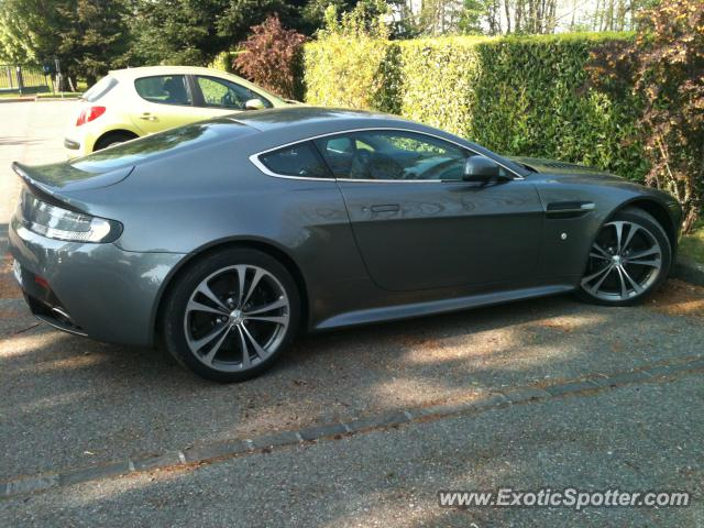 aston martin vantage spotted in eseray france on 05 11 2011. Black Bedroom Furniture Sets. Home Design Ideas
