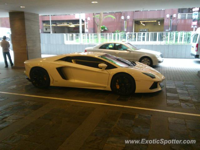 Lamborghini Aventador Spotted In Orchard Road Singapore On 06 26 2012