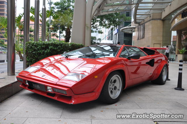 lamborghini countach spotted in bukit bintang kl malaysia on 07 01 2012 pho. Black Bedroom Furniture Sets. Home Design Ideas