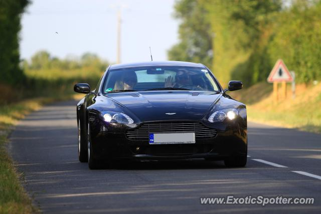 aston martin vantage spotted in le vigeant france on 06 02 2012. Black Bedroom Furniture Sets. Home Design Ideas