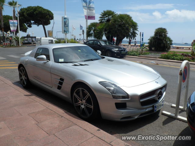 Mercedes sls amg spotted in cannes france on 07 02 2012 for Garage mercedes cannes