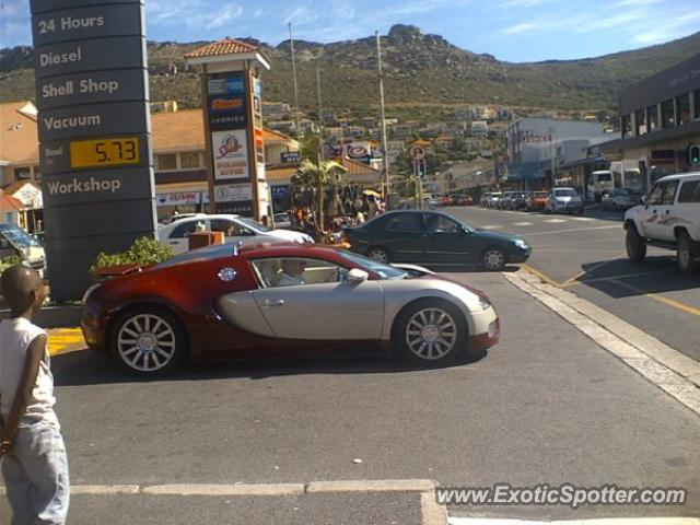 bugatti veyron spotted in cape town south africa on 05 05 2012. Black Bedroom Furniture Sets. Home Design Ideas