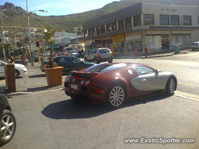 bugatti veyron spotted in cape town south africa on 05 05. Black Bedroom Furniture Sets. Home Design Ideas