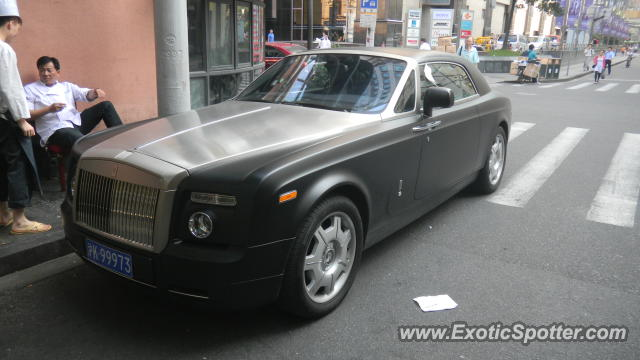 Rolls Royce Phantom spotted in SHANGHAI, China