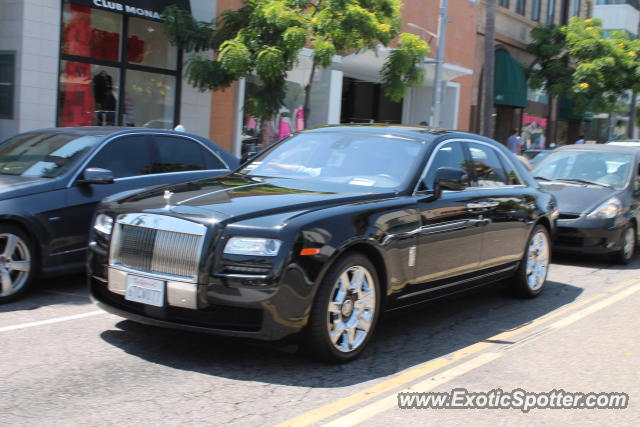 rolls royce ghost spotted in beverly hills california on 07 25 2012. Black Bedroom Furniture Sets. Home Design Ideas