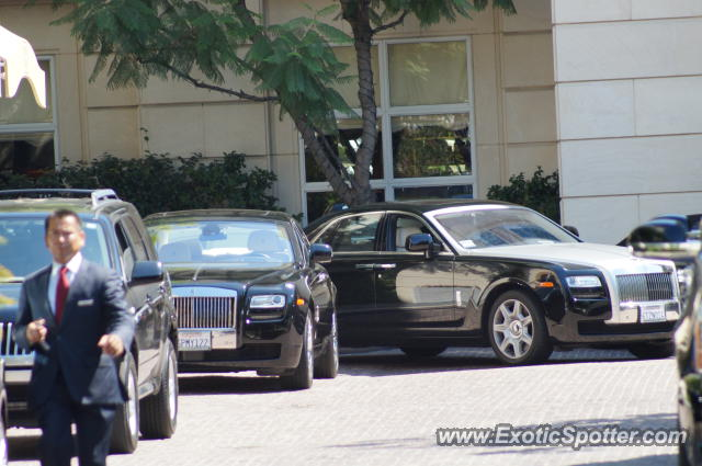 rolls royce ghost spotted in beverly hills california on 08 19 2012 photo 5. Black Bedroom Furniture Sets. Home Design Ideas