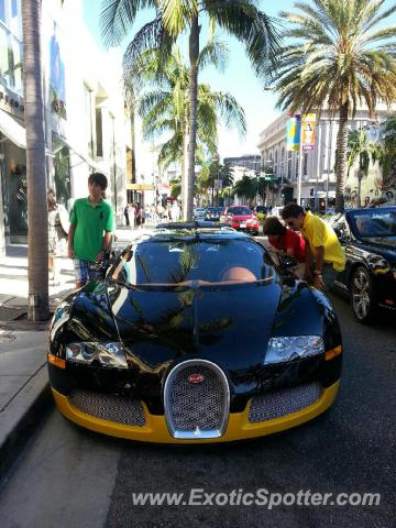bugatti veyron spotted in los angeles california on 09 01 2012 photo 2. Black Bedroom Furniture Sets. Home Design Ideas