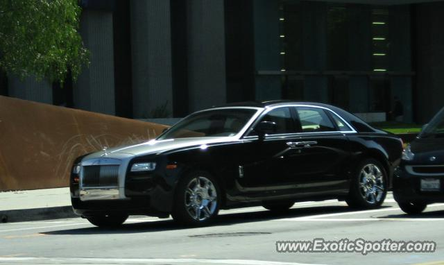 rolls royce ghost spotted in beverly hills california on 03 29 2011. Black Bedroom Furniture Sets. Home Design Ideas
