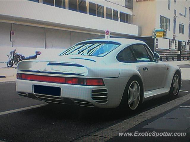 Porsche 959 spotted in Zurich, Switzerland