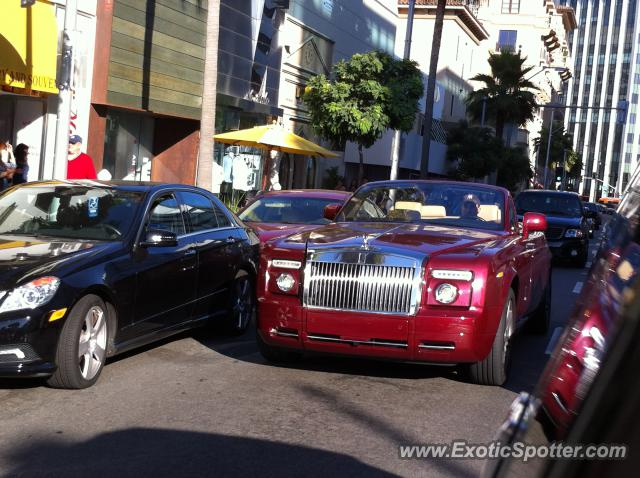 rolls royce phantom spotted in beverly hills california on 07 11 2012. Black Bedroom Furniture Sets. Home Design Ideas