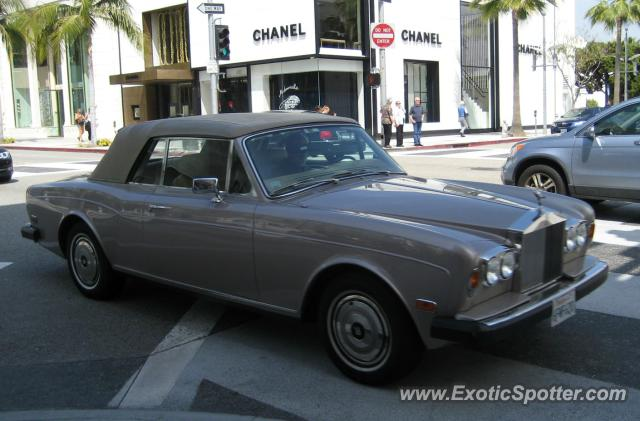 Rolls royce corniche spotted in beverly hills california for Rolls royce of beverly hills