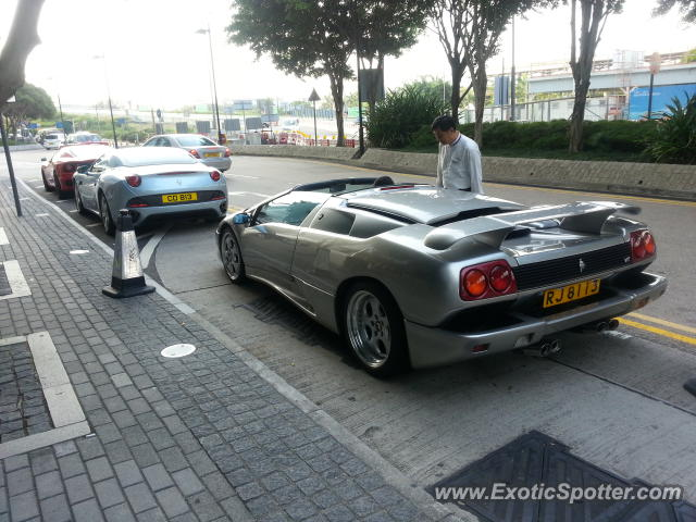lamborghini diablo spotted in hong kong china on 10 13 2012. Black Bedroom Furniture Sets. Home Design Ideas