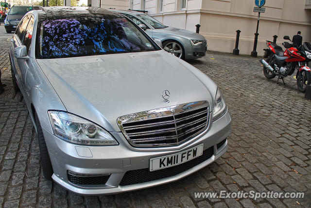 Mercedes s65 amg spotted in london united kingdom on 11 for Mercedes benz united kingdom