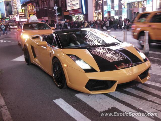 Beautiful Lamborghini Gallardo Spotted In New York, New York