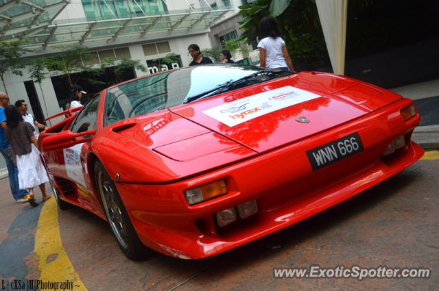 Lamborghini Diablo Spotted In Publika Malaysia On 12 08 2012