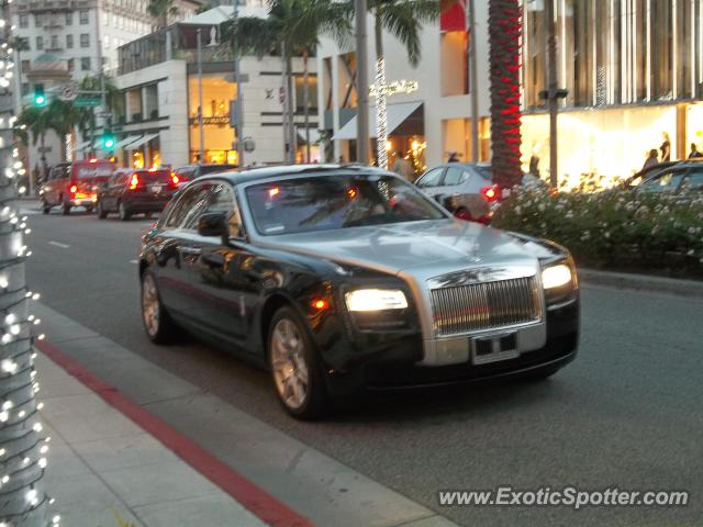 rolls royce ghost spotted in beverly hills california on 01 27 2013. Black Bedroom Furniture Sets. Home Design Ideas