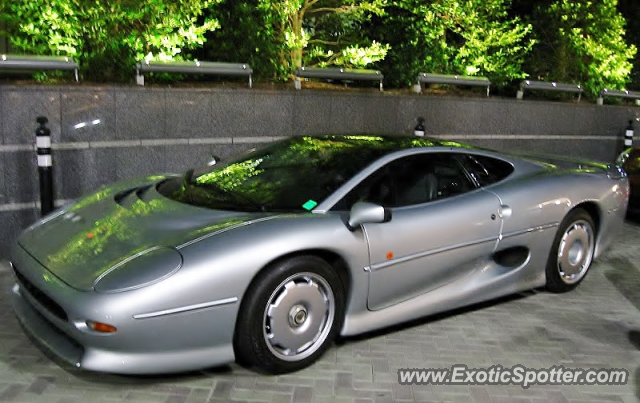 Jaguar XJ220 spotted in Atlanta, Georgia